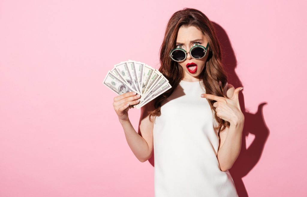 save-money-buy-weed-online-girl