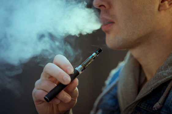 Read more about the article The Rise of Vaping in the Cannabis World: Why the Gap Between Smokers and Vapers is Closing